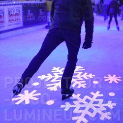 Décoration lumineuse patinoire marché de Noël