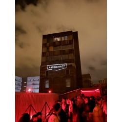 Projecteur extérieur logo lumineux façade