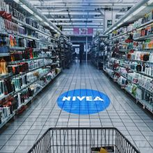 Projection publicité lumineuse pour le retail